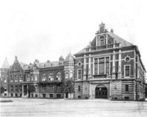 Das Deutsche Haus (Athenaeum)